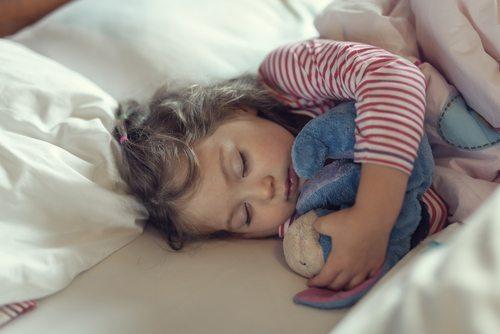 Apprendre aux enfants à dormir seuls
